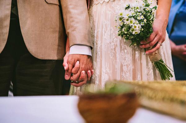 bridal-bouquets-white-romantic