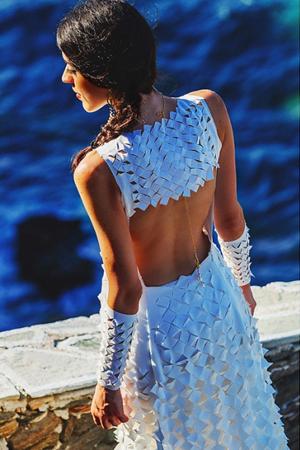 modern-backless-dresses