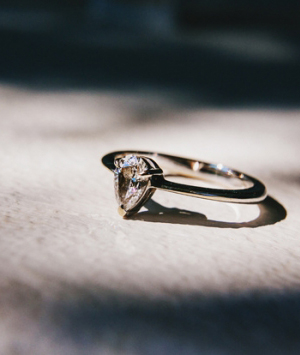 modern-wedding-ring