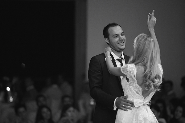 newlywed-first-dance