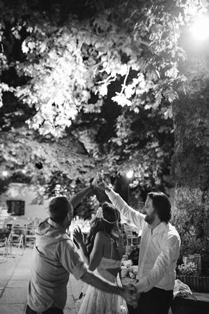 romantic-wedding-party-dance