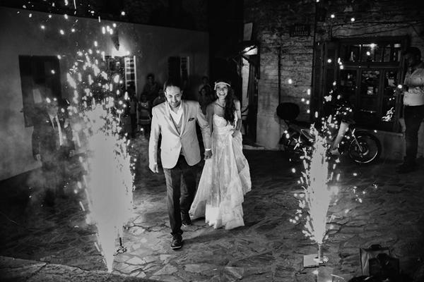 wedding-couple-entrance