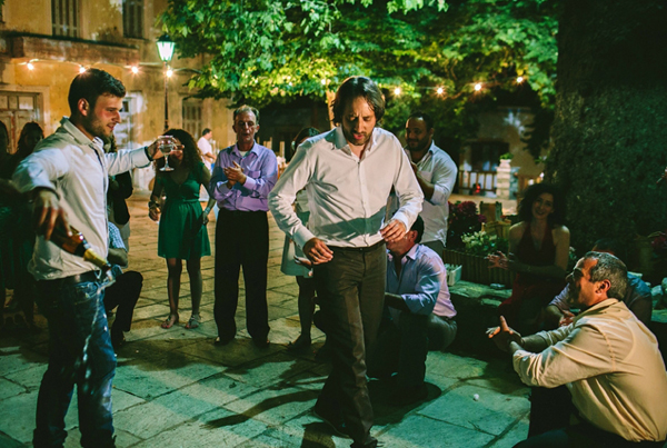 wedding-party-dancing