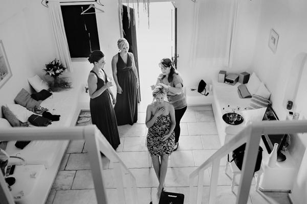 bride-preparation-santorini
