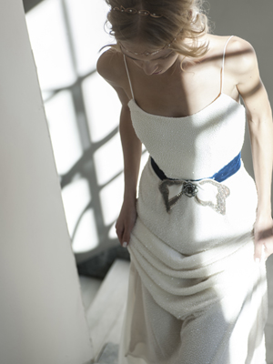 modern-wedding-dresses-belt