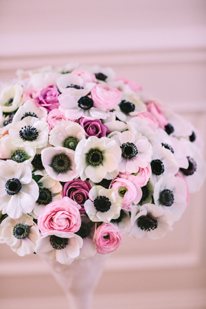 bridal-bouquet-anemones