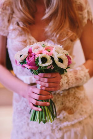 bridal-bouquetes-pink-roses-anemones