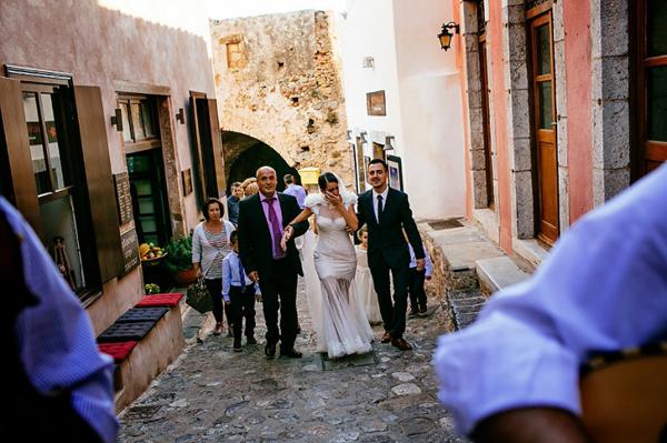 bride-walking-church-greek-traditions
