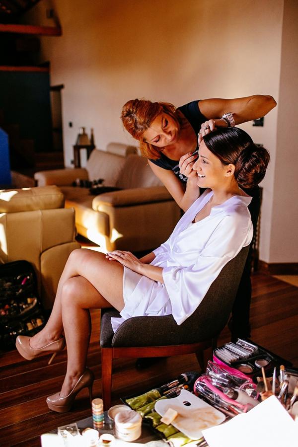 brides-preparation-makeup-photography