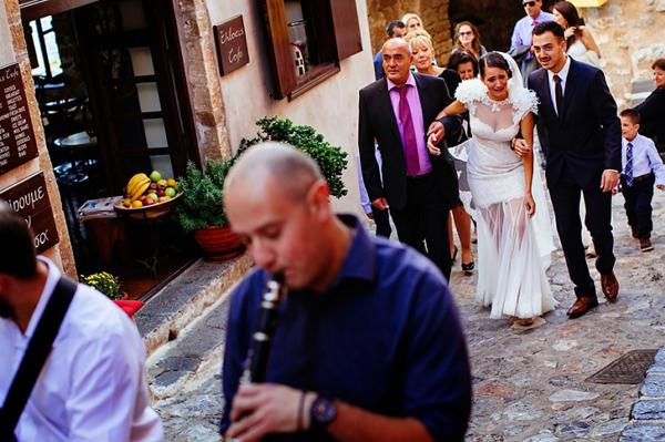 emotional-walk-church-wedding