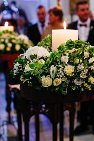 flower-decoration-church-white