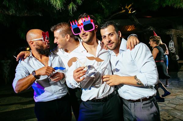 wedding-party-fun-photography