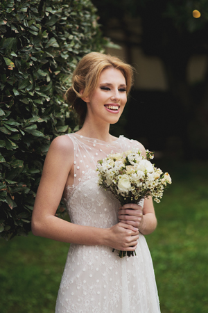 hairstyle-bride-updo