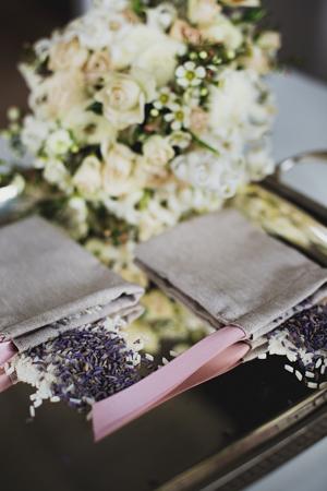 ping-beige-bridal-flowers