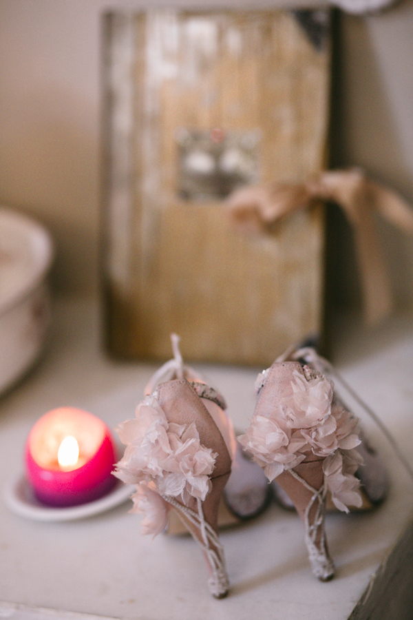 pink-shoe-wedding