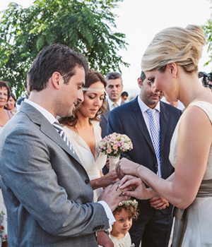 bridal-bouquet-roses-1