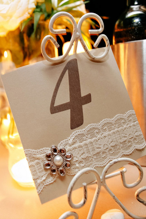 rustic-decorations-for-wedding