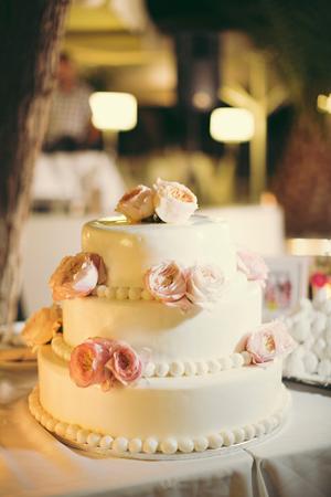 wedding-cakes-decorations-4