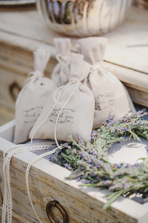 rustic-outdoor-wedding-decorations