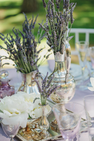 rustic-wedding-table-decorations-lavender