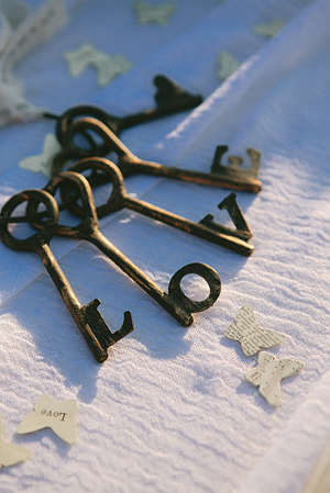vintage-wedding-ideas-keys