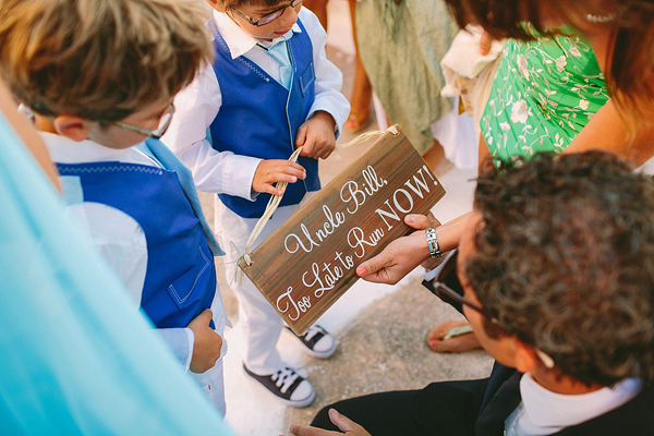 wooden-sign-wedding-ideas