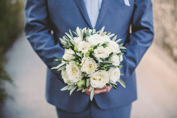 ivory-roses-bridal-bouquetes