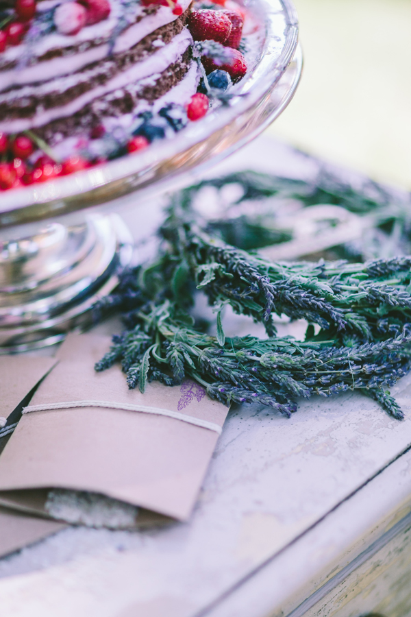 lavender-centerpieces-for-wedding-tables