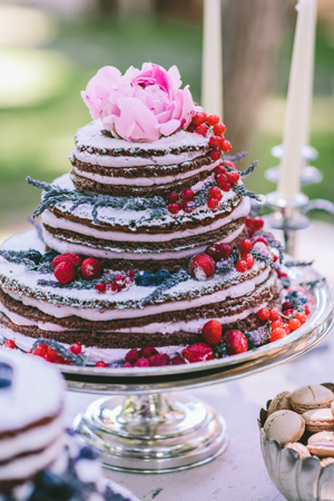 naked-cakes-wedding-decor