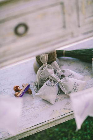 rustic-wedding-decorations-lavender
