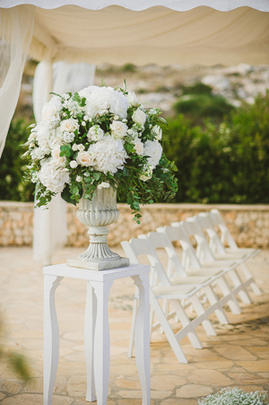 wedding-decorations-white-peonies