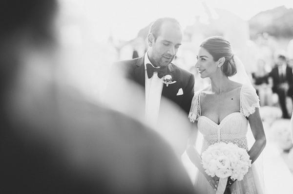 white-peonies-wedding-flowers
