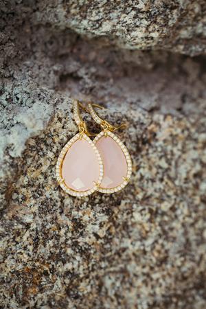 beach-wedding-accessories-earings