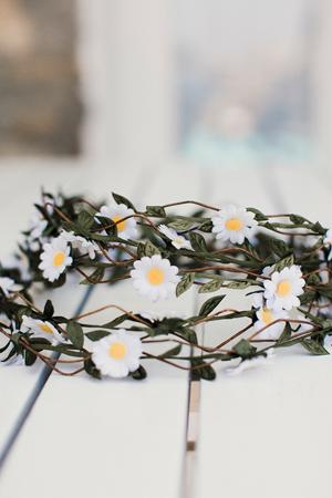 beach-wedding-accessories-flower-wreath-ideas-1