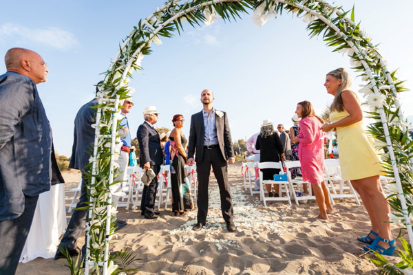 beach-wedding-ceremony