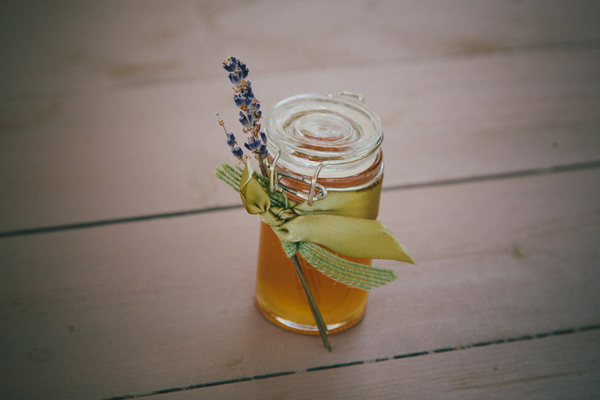 country-wedding-favors