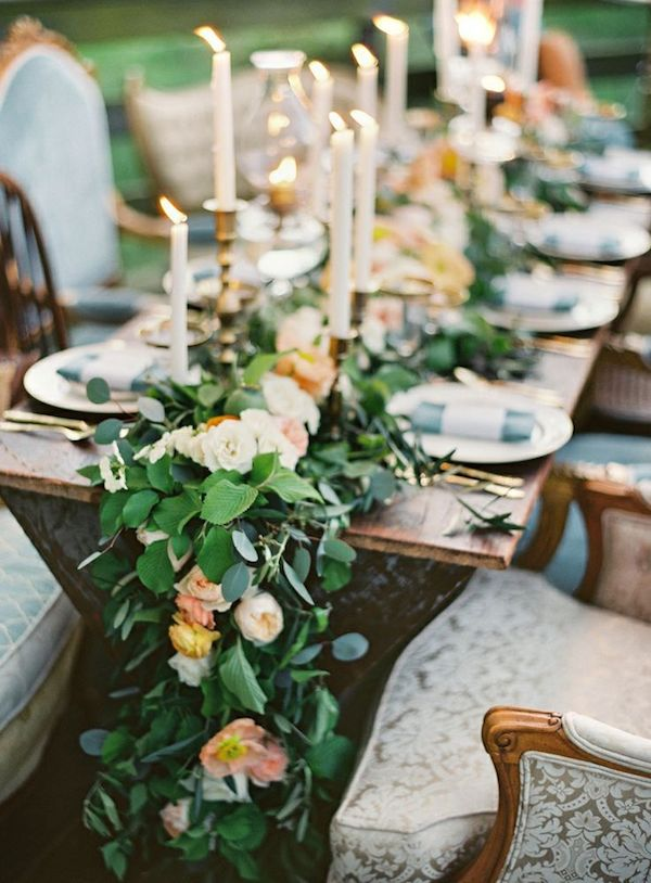 intimate-country-glam-wedding-style-decorations