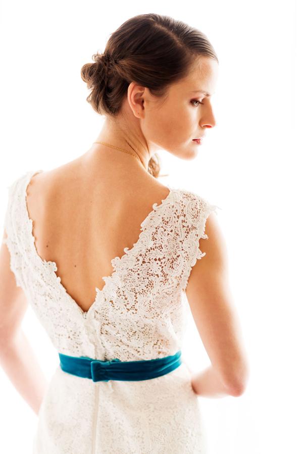 romantic-wedding-gown-lace-belt