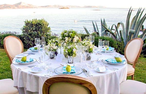 turquoise-and-white-wedding