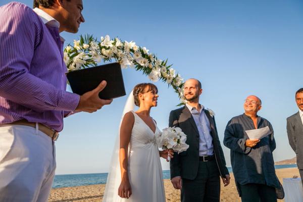 wedding-dress-beach