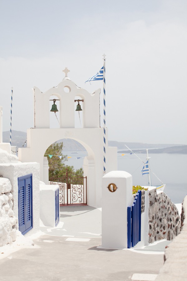 Santorini-honeymoon-destinations