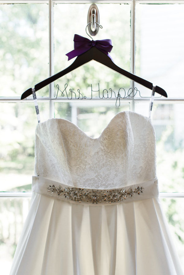 Wedding hangers for your wedding dress - Chic & Stylish Weddings