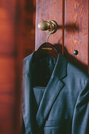 groom-suit-photography