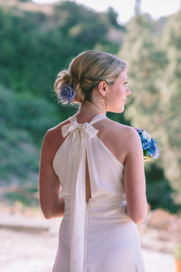 outdoor-bridal-gown