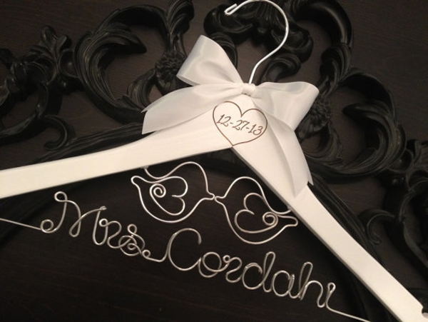 wooden-wedding-hangers