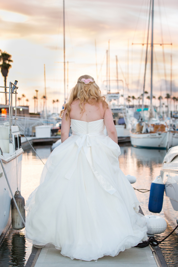 California-desination-beach-wedding-bride-nautical