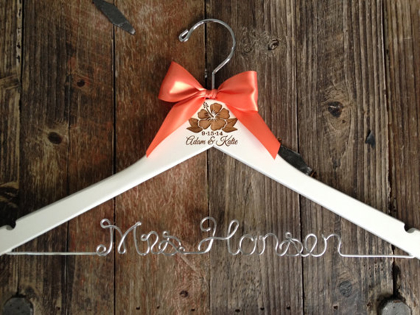 bridal-hangers-ribbon