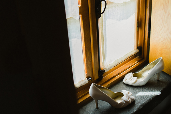 bridal-shoes-photo