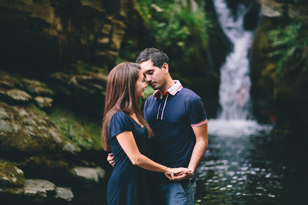 engagement-photography-ideas-warefalls