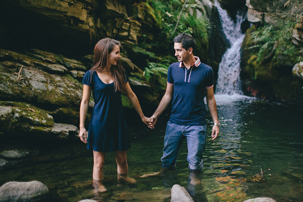 engagement-photography-waterfalls